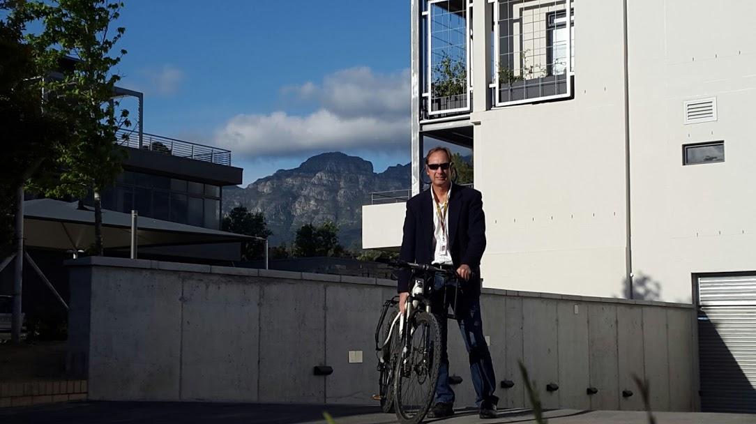 Fietsportret/Cycle Portrait: Ralph Pina (IT director, University of Stellenbosch, 60)